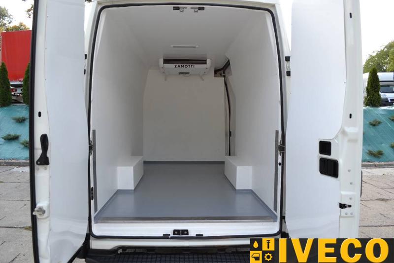 Купить авторефрижератор (холодильник)  на базе IVECO New Daily. Характеристики, фото, цена, стоимость фургона-авторефрижератора ИВЕКО ДЕЙЛИ в Киеве